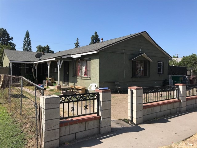 1336 W Walnut Street, Santa Ana CA: http://media.crmls.org/medias/4be0d6fa-867b-4639-ac09-e0815942258e.jpg
