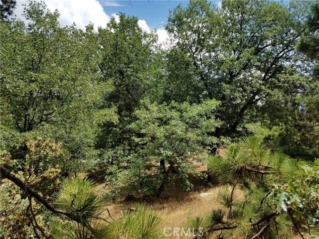 28310 Bern Lane, Lake Arrowhead CA: http://media.crmls.org/medias/4c00fc89-8ba3-440b-8b2d-e6824ef48507.jpg