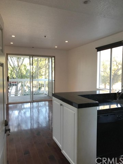 20331 Bluffside Circle Unit 111 Huntington Beach, CA 92646 - MLS #: OC18026319