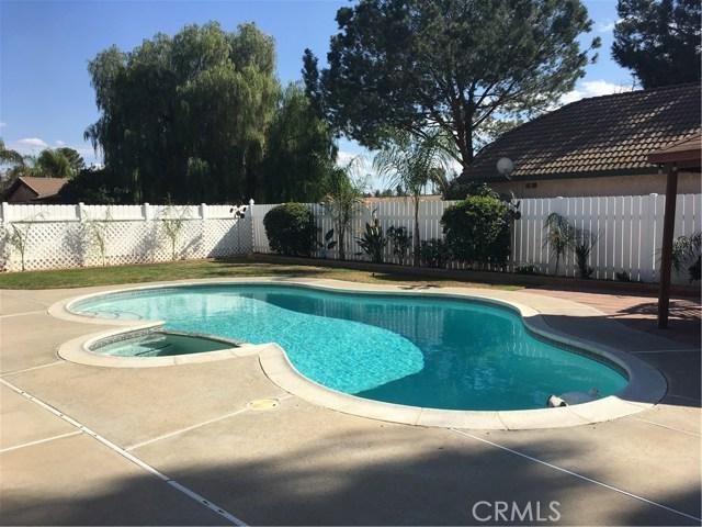 24103 Sandbow Street, Moreno Valley CA: http://media.crmls.org/medias/4c1fcb05-4051-4222-b494-e4d619f7d73b.jpg