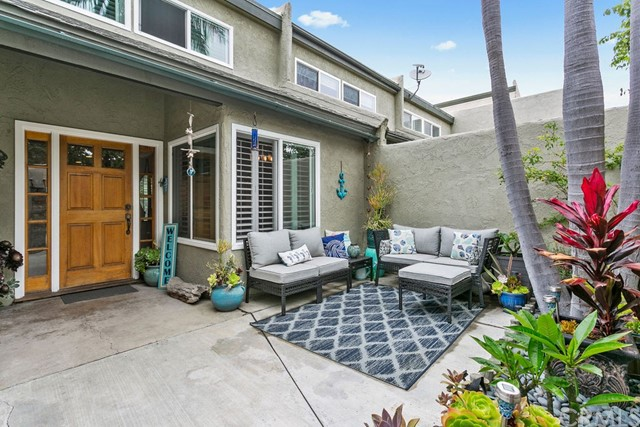 Detail Gallery Image 1 of 1 For 18733 Applewood Cir #7,  Huntington Beach,  CA 92646 - 2 Beds | 1/1 Baths