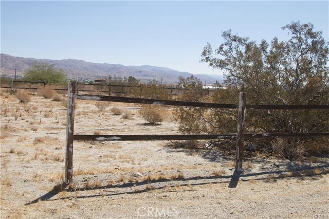 5 Kay Road, Desert Hot Springs CA: http://media.crmls.org/medias/4c214bb5-4008-4301-814d-35f6f99e5d0b.jpg