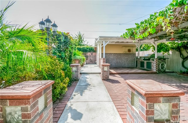 2828 W Devoy Dr, Anaheim, CA 92804 Photo 26