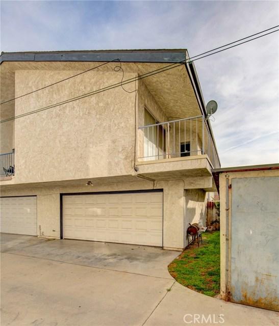 13715 Cerise Avenue, Hawthorne CA: http://media.crmls.org/medias/4c2acdad-5ff5-4f3c-b687-a528c0208c2c.jpg