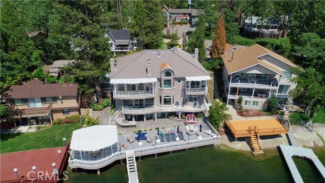 39339 Blue Jay Drive, Bass Lake CA: http://media.crmls.org/medias/4c2b9353-1cba-46b5-9a22-8697ef9c631c.jpg