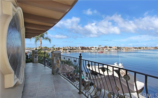 Single Family Home for Sale at 16412 Grimaud St Huntington Beach, California 92649 United States