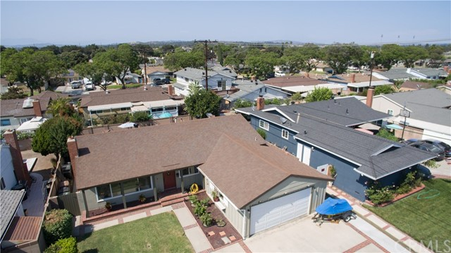 4249 W Olive Avenue, Fullerton CA: http://media.crmls.org/medias/4c2f0849-5fa0-4cdb-b2d4-1c6f13d6d2f6.jpg