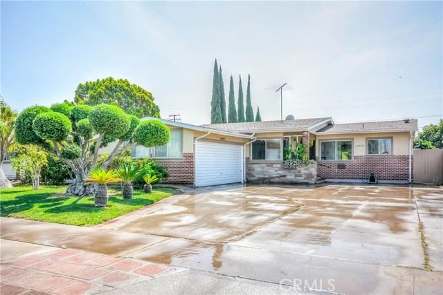 2828 W Devoy Dr, Anaheim, CA 92804 Photo 2