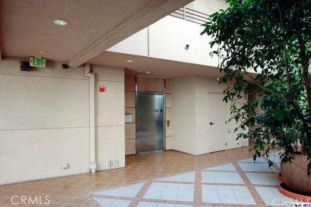 871 Crenshaw Bl, Los Angeles, CA 90005 Photo 5