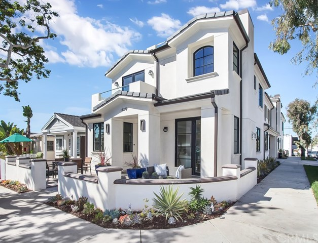 Condominium for Sale at 429 Larkspur Avenue Corona Del Mar, California 92625 United States