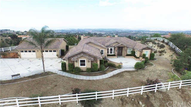 40001 Parado Del Sol Drive , CA 92592 is listed for sale as MLS Listing IG15168970