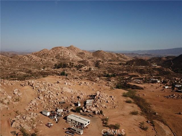 25050 El Toro Road, Perris CA: http://media.crmls.org/medias/4c4b4361-7839-4b88-b091-2b382a3a1afa.jpg