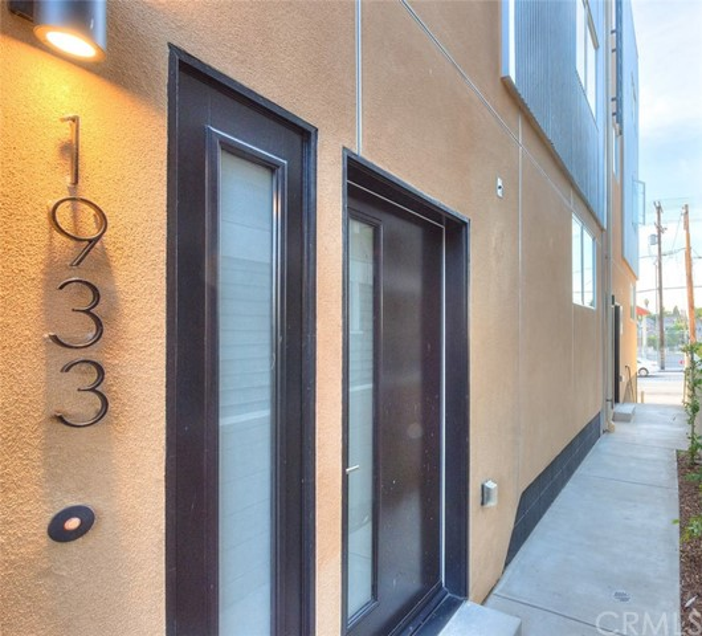 912 N Alvarado St, Los Angeles, CA 90026 Photo 2