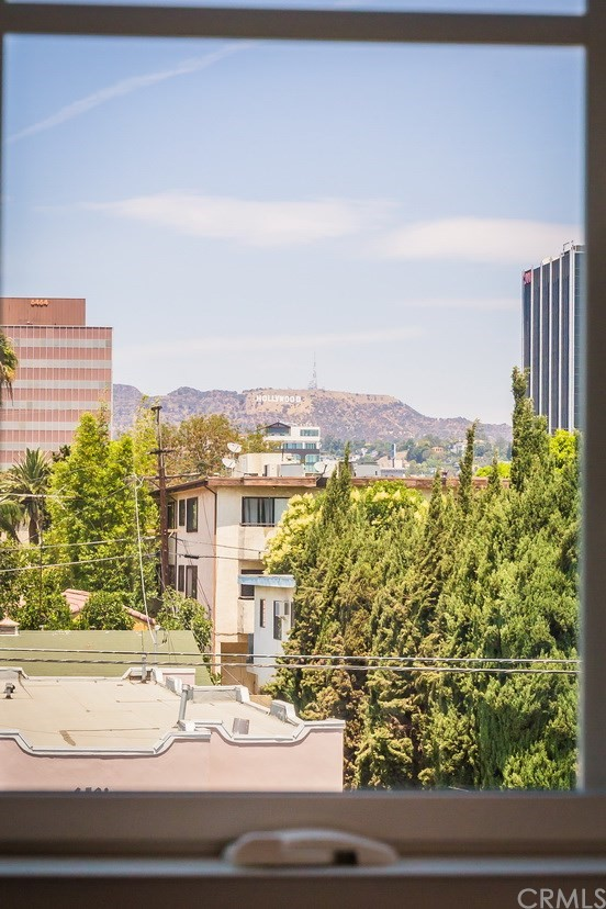 6528 1/2 Fountain Avenue, Los Angeles CA: http://media.crmls.org/medias/4c6c8f31-81db-4fef-925c-33900ca24584.jpg