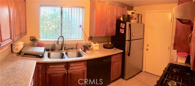 3921 Glenwood Way, Chino Hills CA: http://media.crmls.org/medias/4c706919-0d91-4907-8b9a-ee29b69fa3b9.jpg