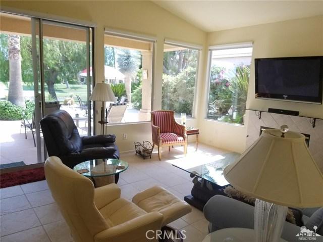 67551 Laguna Drive, Cathedral City CA: http://media.crmls.org/medias/4c7ecb5a-101a-4d88-8989-139fe9a4c82d.jpg
