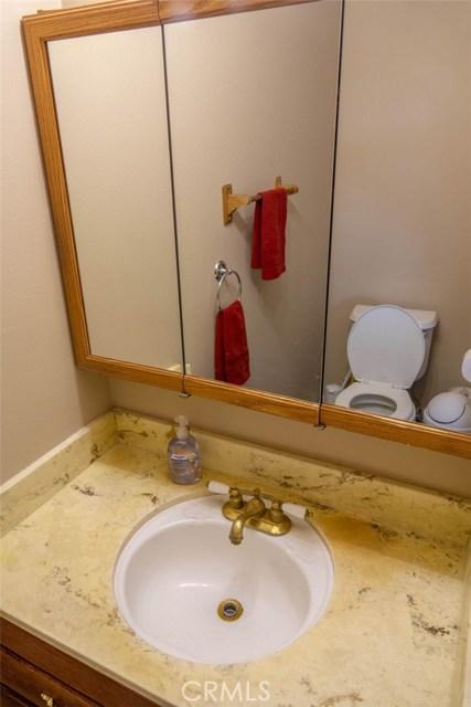 606 E Matchwood Place, Azusa CA: http://media.crmls.org/medias/4c89d406-146c-4601-9487-568a8d3f7d3d.jpg