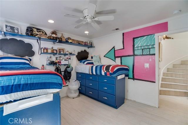 Additional photo for property listing at 220 4th Street 220 4th Street Hermosa Beach, California,90254 Estados Unidos