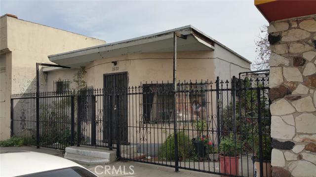 1630 East Compton Boulevard Compton CA  90221