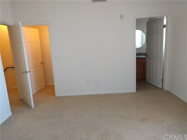 7124 Woodman Avenue Unit 4 Los Angeles, CA 91405 - MLS #: CV17280070
