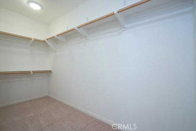 81 Gardenhouse Way, Irvine CA: http://media.crmls.org/medias/4cc50d9e-6b9e-414a-b8b2-da81a37288c5.jpg