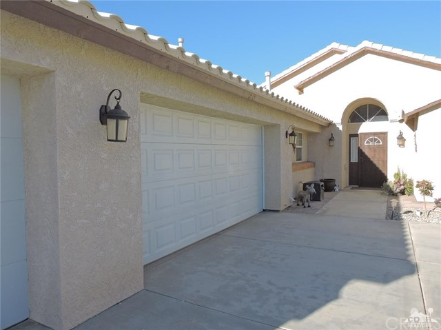 57130 Selecta Avenue, Yucca Valley CA: http://media.crmls.org/medias/4cd553a9-14f8-4fce-bb68-8f6c6429c80a.jpg
