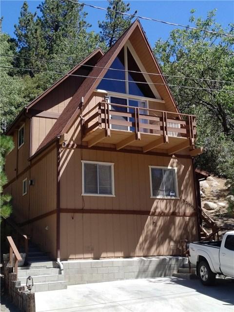 Casa Unifamiliar por un Venta en 32994 Deer Lane Arrowbear Lake, California 92308 Estados Unidos