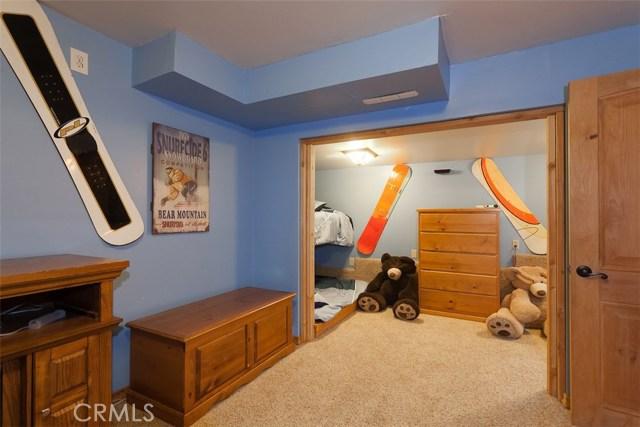 368 Santa Clara Boulevard, Big Bear CA: http://media.crmls.org/medias/4cf7fa55-2ae4-48d8-af3b-ed820737a2ba.jpg