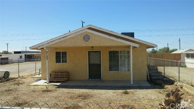 Single Family Home for Sale at 2125 2nd Street Bombay Beach, California 92257 United States