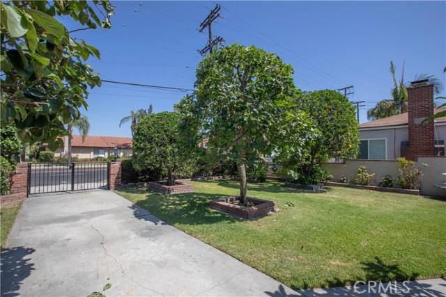 10230 Brookshire Avenue, Downey CA: http://media.crmls.org/medias/4d12977f-194e-4612-b5df-4ef693b0b12a.jpg