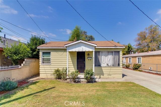 20609 Alburtis Avenue, Lakewood CA: http://media.crmls.org/medias/4d1638ff-fd34-4621-bee3-05eb4d40111f.jpg