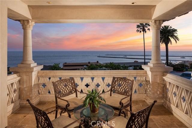 Casa Unifamiliar por un Venta en 3300 Ocean Boulevard Corona Del Mar, California 92625 Estados Unidos
