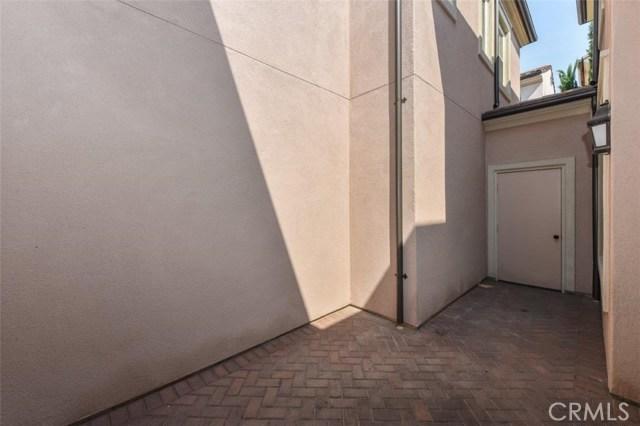 66 Costa Brava, Irvine CA: http://media.crmls.org/medias/4d297cfd-cf4d-4db7-a256-2ba513721e91.jpg
