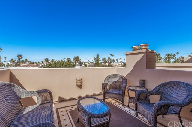 522 7th Street Huntington Beach, CA 92648 - MLS #: OC17113136
