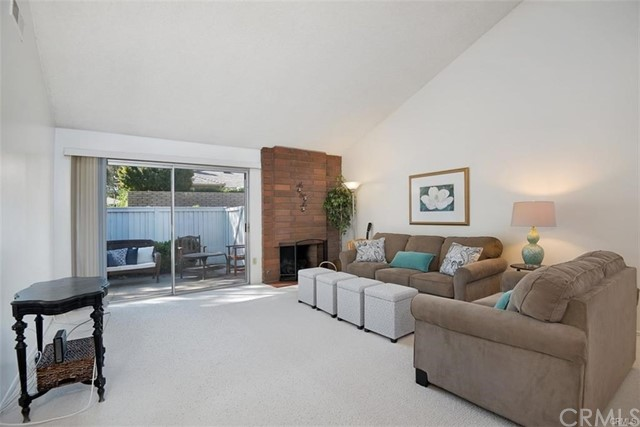 5082 Apple Tree, Irvine, CA 92612 Photo 3