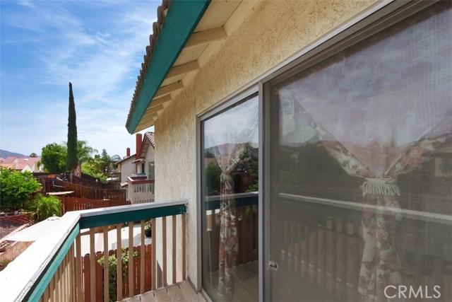 23476 Woodlander Way, Moreno Valley CA: http://media.crmls.org/medias/4d36978e-7757-4280-b1aa-8345490186af.jpg