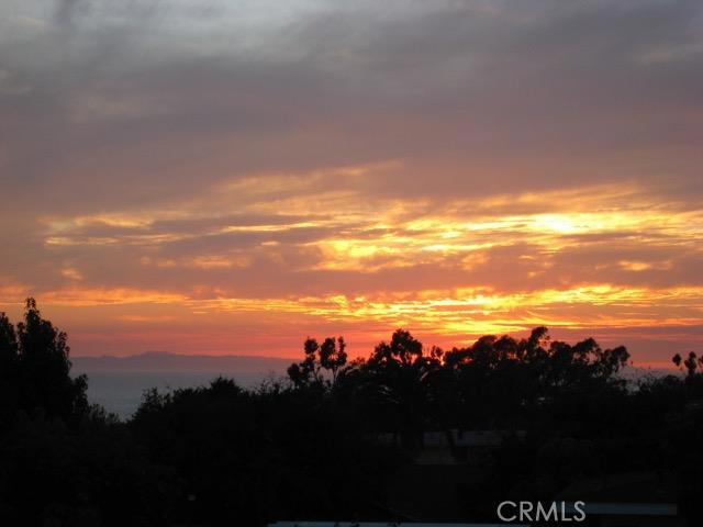 Single Family Home for Sale at 508 De Anza St Corona Del Mar, California 92625 United States