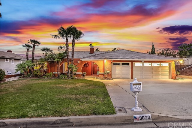Casa Unifamiliar por un Venta en 9073 Caballero Drive Alta Loma, California 91737 Estados Unidos