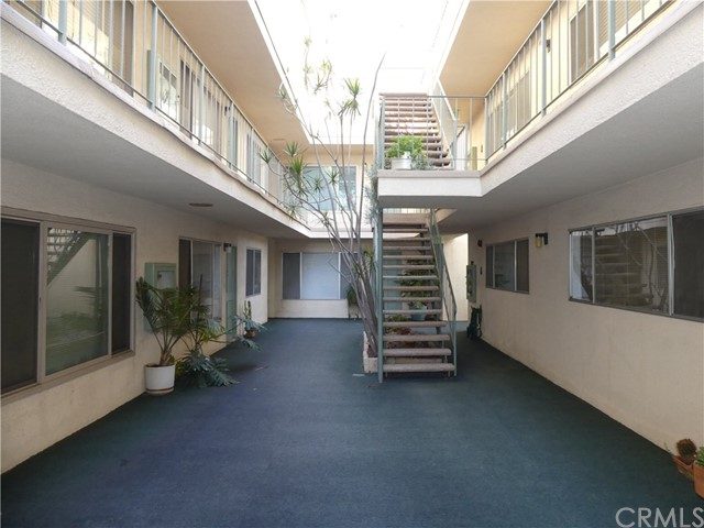 334 Gladys Av, Long Beach, CA 90814 Photo 1