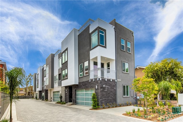 2068 Maple Avenue Unit D Costa Mesa, CA 92627 - MLS #: OC18116358