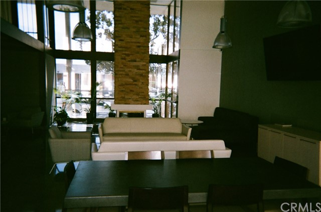 5585 E Pacific Coast Hy, Long Beach, CA 90804 Photo 3