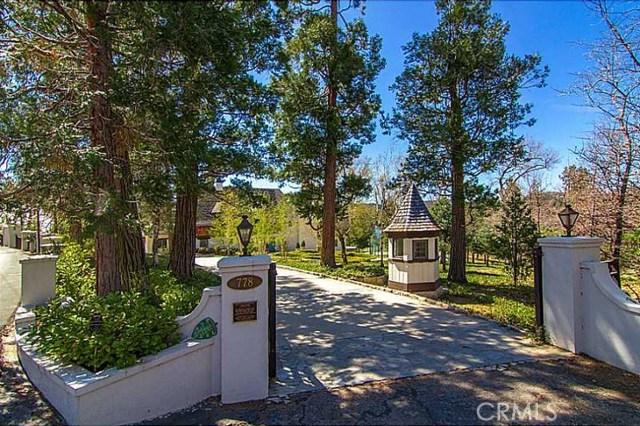 独户住宅 为 销售 在 778 Shelter Cove Drive Lake Arrowhead, 92352 美国