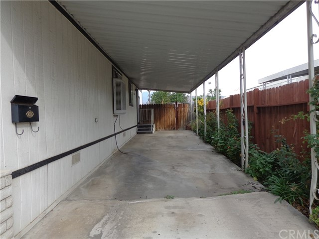 1721 E Colton Avenue Unit 12 Redlands, CA 92374 - MLS #: EV18079799