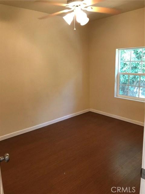 275 E 3rd Street, San Bernardino CA: http://media.crmls.org/medias/4d5f9c8a-741b-49f2-ba8e-1332003fc3c3.jpg