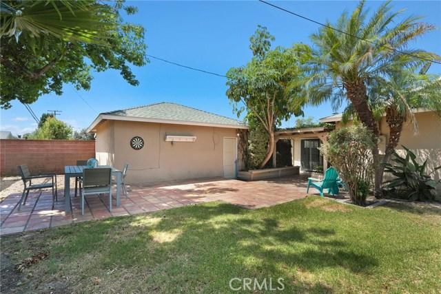 2260 San Vicente Avenue, Long Beach CA: http://media.crmls.org/medias/4d657897-a77c-4b92-bb09-296b07b1e5da.jpg