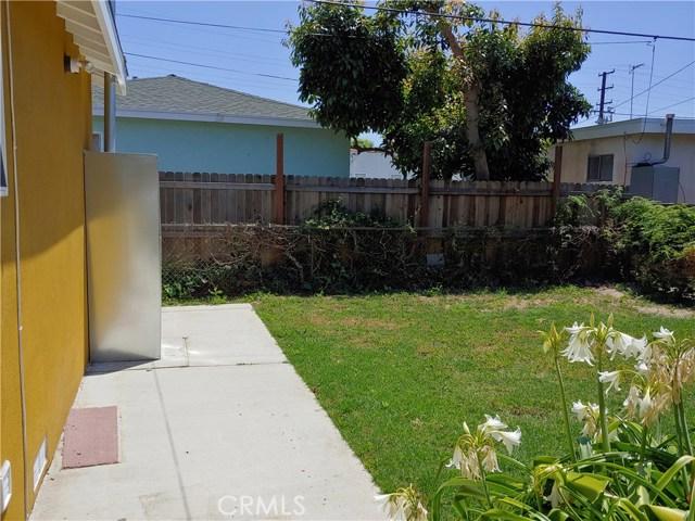 3360 Wisconsin Avenue, South Gate CA: http://media.crmls.org/medias/4d660fce-0802-4136-b1f9-e8c82af29ffb.jpg