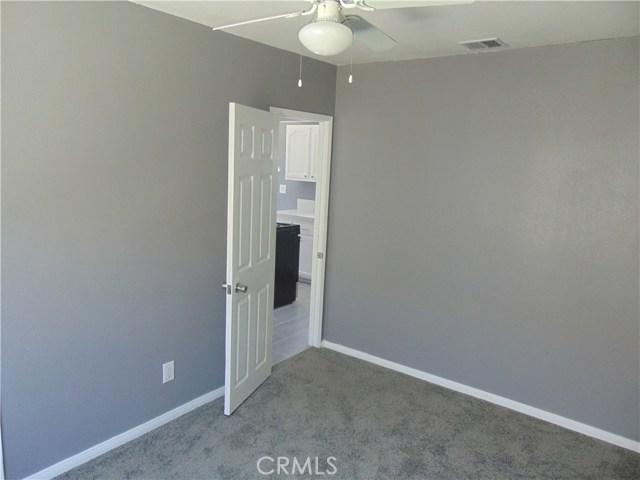 1005 Maple Street, Inglewood CA: http://media.crmls.org/medias/4d84934b-a75f-4e86-b191-3258ef39b191.jpg