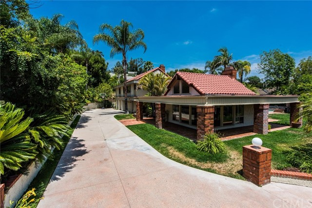 Single Family Home for Sale at 18811 Ridgeview Circle Villa Park, California 92861 United States