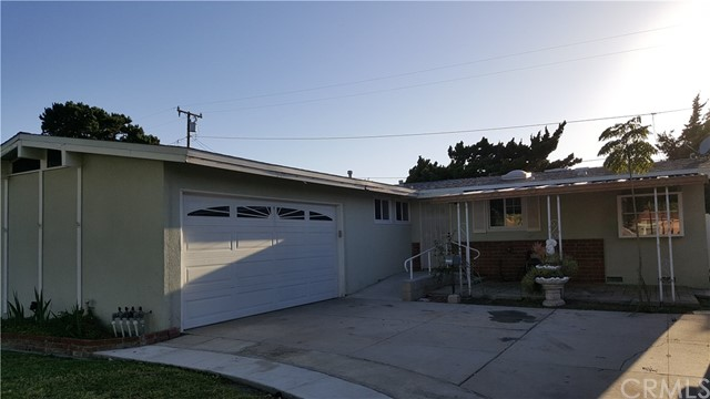 Single Family Home for Sale at 2202 Spruce Street N Santa Ana, California 92706 United States