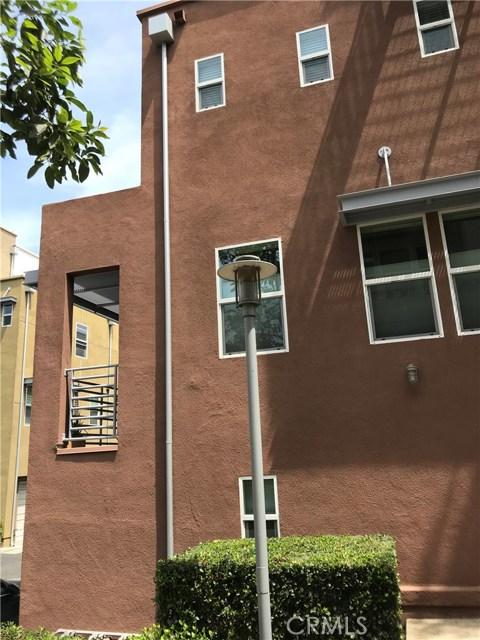 450 E Jeanette Lane, Santa Ana CA: http://media.crmls.org/medias/4db00a7c-4a34-475a-a77b-5bcd57a2d353.jpg